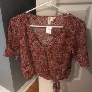 Sky and Sparrow printed top